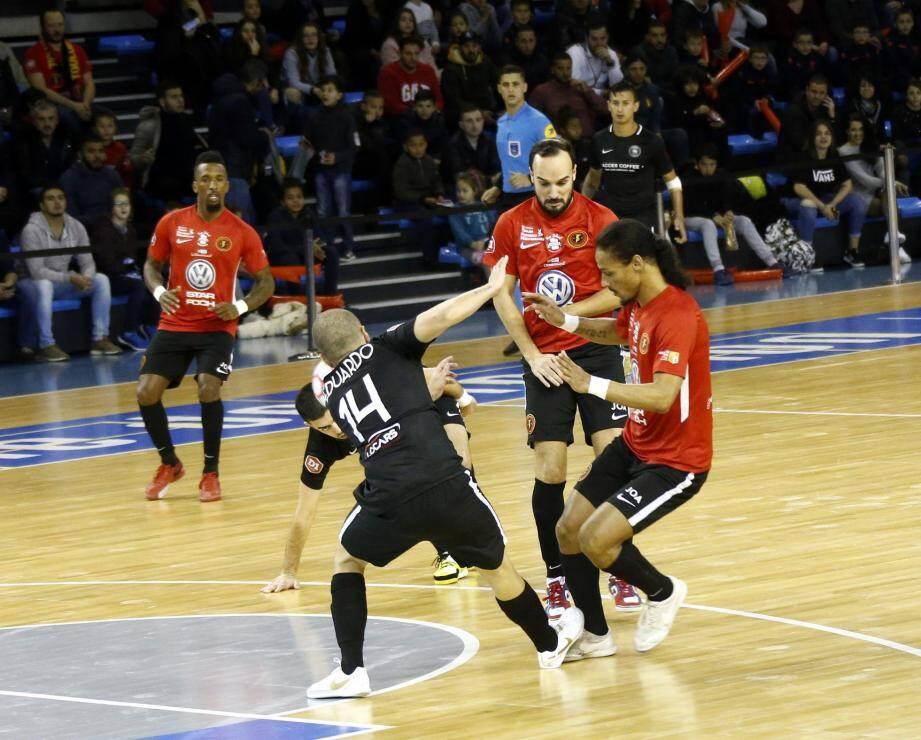 Les Toulonnais ont sorti un gros match pour s'imposer 4 à 3 dans la salle du Sporting Paris.