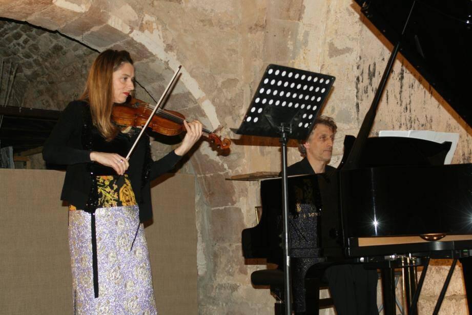 Agnès Pyka et Laurent Wagschal viennent d'enregistrer ensemble trois sonates de Mieczyslaw Weinberg.