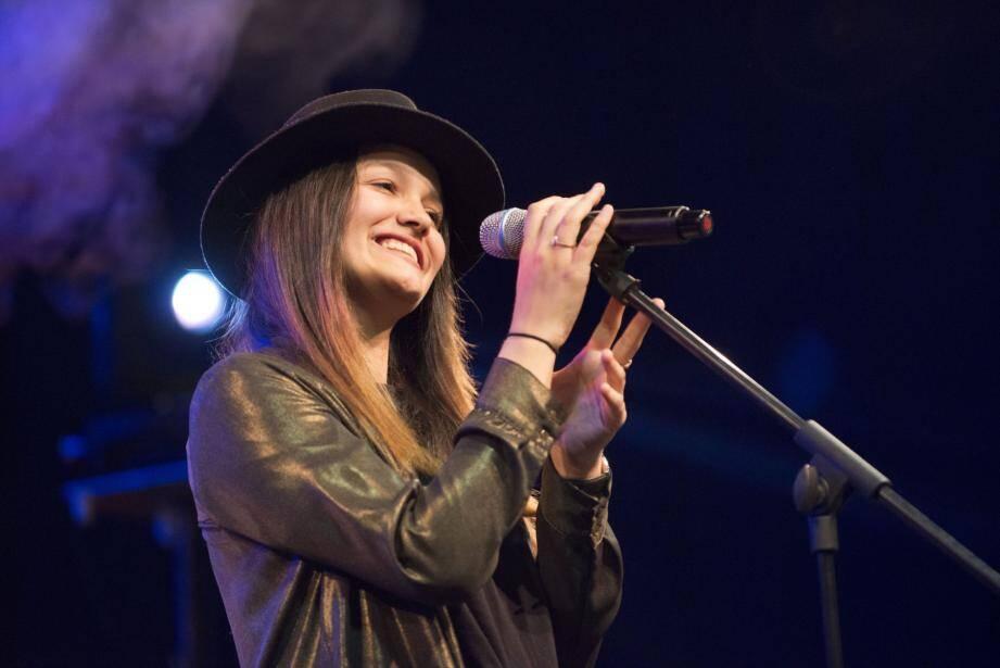 Lauren sera bientôt de retour dans The Voice.