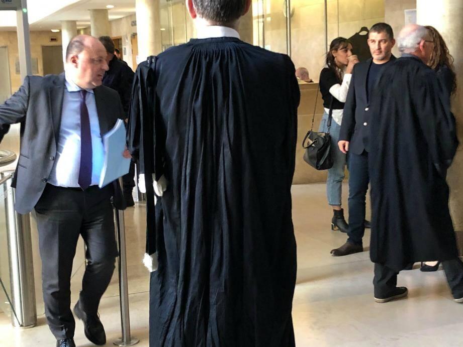 Christophe Naudin à son arrivée au palais Monclar d'Aix-en-Provence.