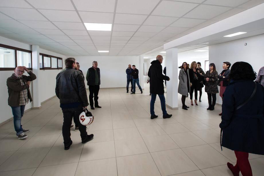 Mercredi après-midi, le maire Ferdinand Bernhard a animé une visite de présentation du nouvel espace de bureaux à louer de 800 m2 sur deux niveaux.