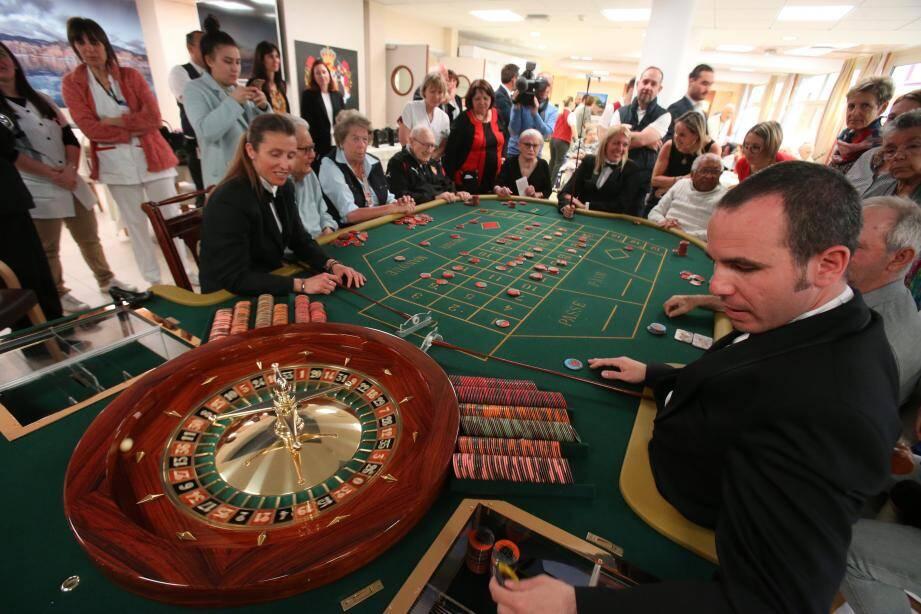 D'authentiques croupiers et une table de roulette européenne - pas moins authentiques - avaient fait le déplacement.