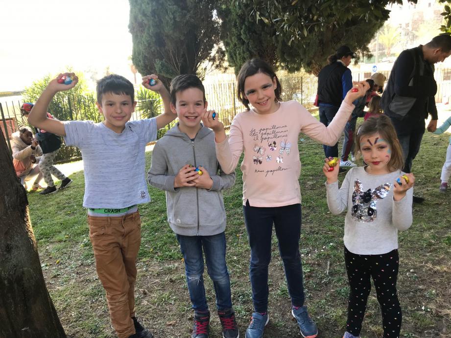 Gabriel, Noé, Margot et Louise ont participé, hier, à la première chasse aux œufs de la saison, hier, au jardin Comte de Falicon.