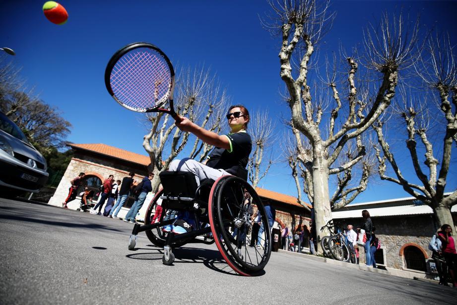 Tennis, escalade, danse ou escrime... il y en avait pour tous les goût, hier, aux Espaces du Fort Carré.