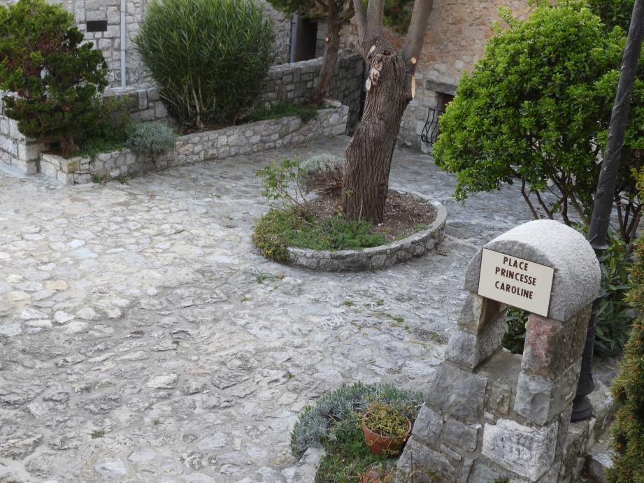 Depuis 1988, la place Princesse-Stéphanie est appellée place Princesse Caroline, à cause d'une erreur de plaque.