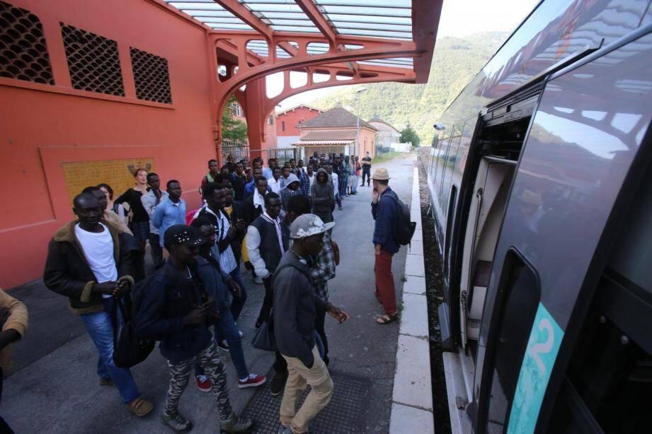 Des migrants à Breil-sur-Roya.
