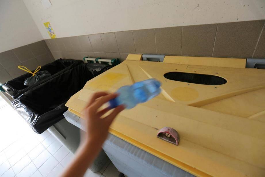 Le bac jaune pourra contenir de nouveaux déchets.