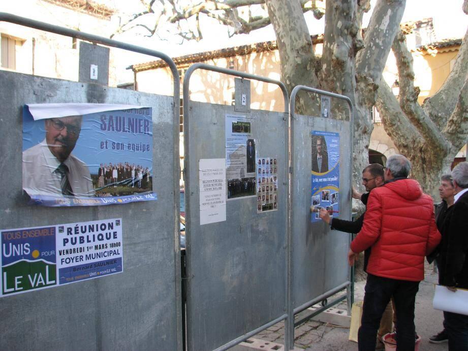 Campagne express pour les trois candidats, qui n'ont disposé que de deux mois pour préparer l'affichage et organiser des réunions publiques.