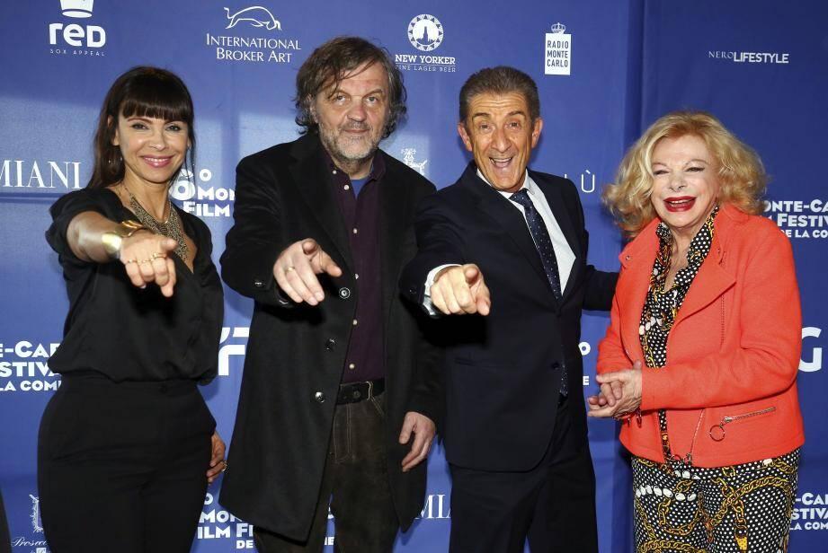 Aux côtés de l'organisateur Ezio Greggio, hier pour le lancement du festival: le réalisateur Emir Kusturica et les comédiennes Mathilda May et Sandra Milo.