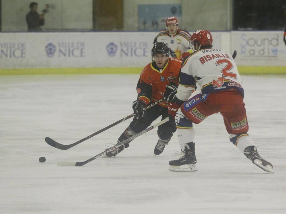 Les hockeyeurs niçois ont été surclassés par Grenoble.