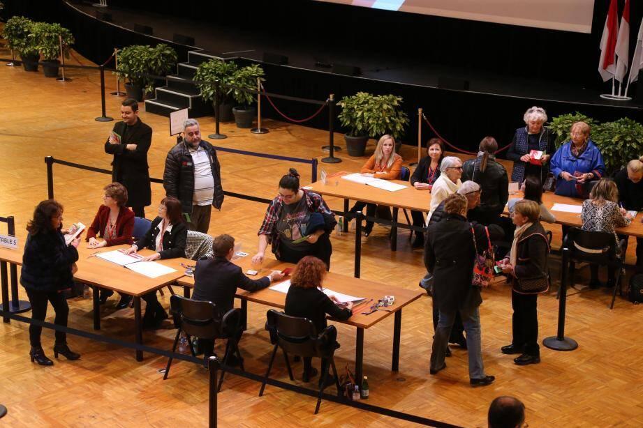 Le bureau de vote est ouvert jusqu'à 19h à l'Espace Léo-Ferré.