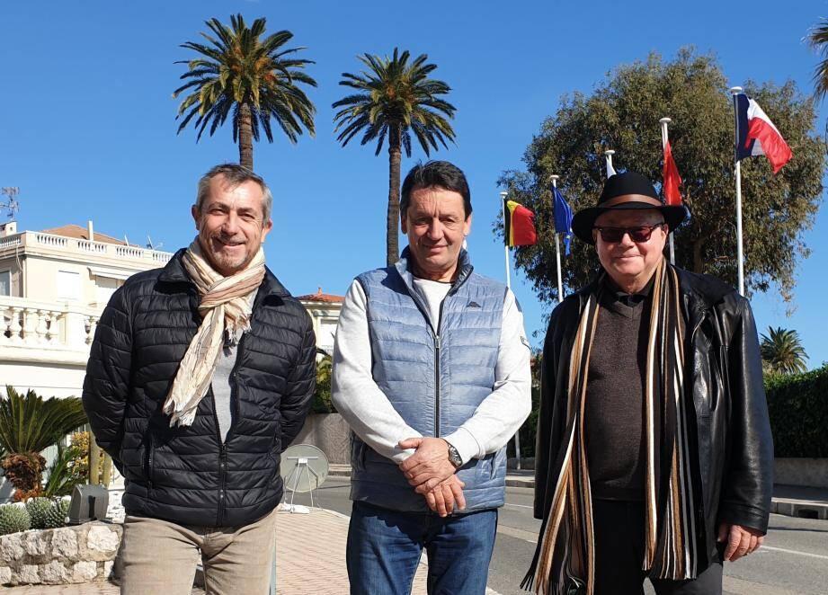 Frédéric Mazella, Michel Cecconi et Marc Jousset espèrent sauver les palmiers berlugans.