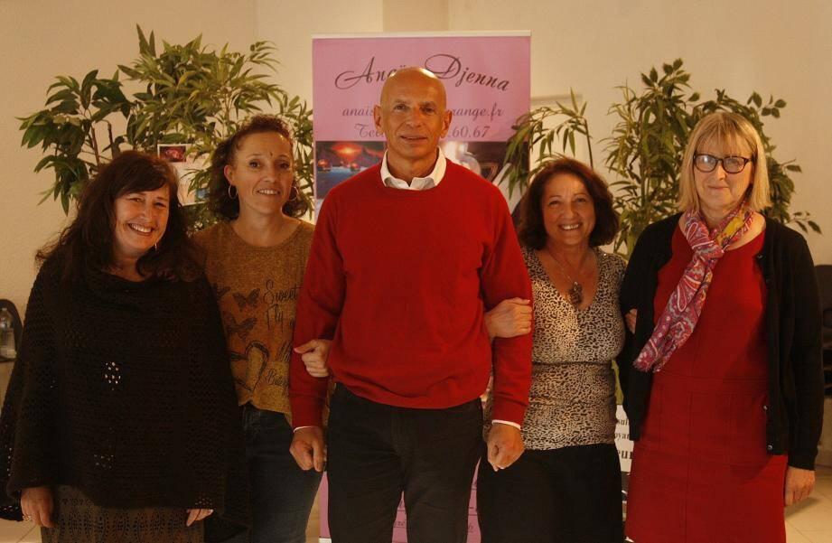 Annelise, Anaïs Djenna, Pascal, Marie et Joëlle, les cinq praticiens qui ont accueilli tout au long de cette journée les visiteurs.