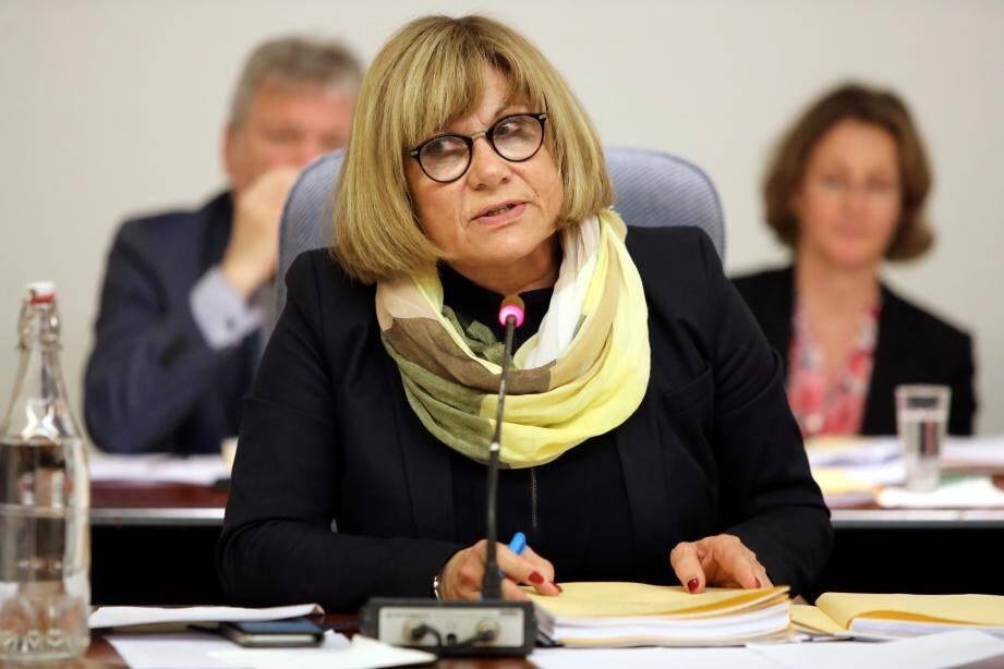 Le maire Michelle Salucki
