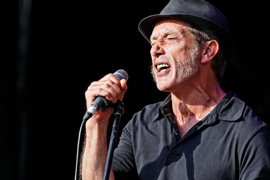Miossec interprétera « Rescapés », son onzième opus, très loin de « Boire », l'album qui l'a révélé au public en 1995.(DR)