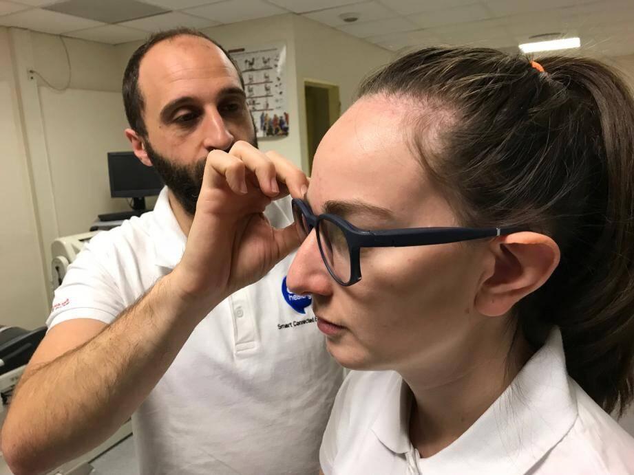 Les lunettes connectées intelligentes embarquent une quinzaine de capteurs hyperminiaturisés. Elles seront disponible fin 2020, début 2021.