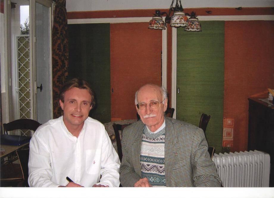 Thierry Guillo au côté de Maurice Pon, qui a écrit pour lui ses dernières chansons.