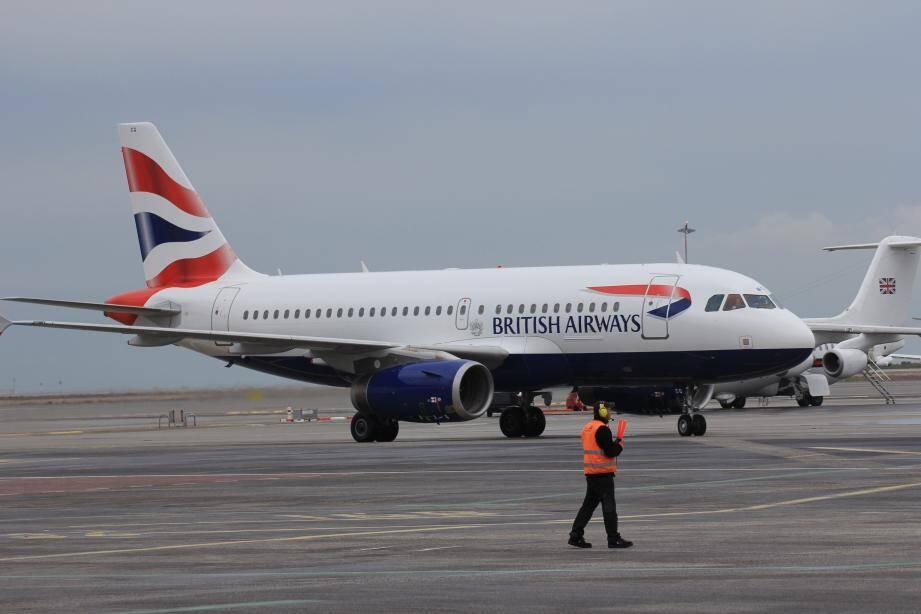 Un avion de British Airways sur le tarmac niçois.