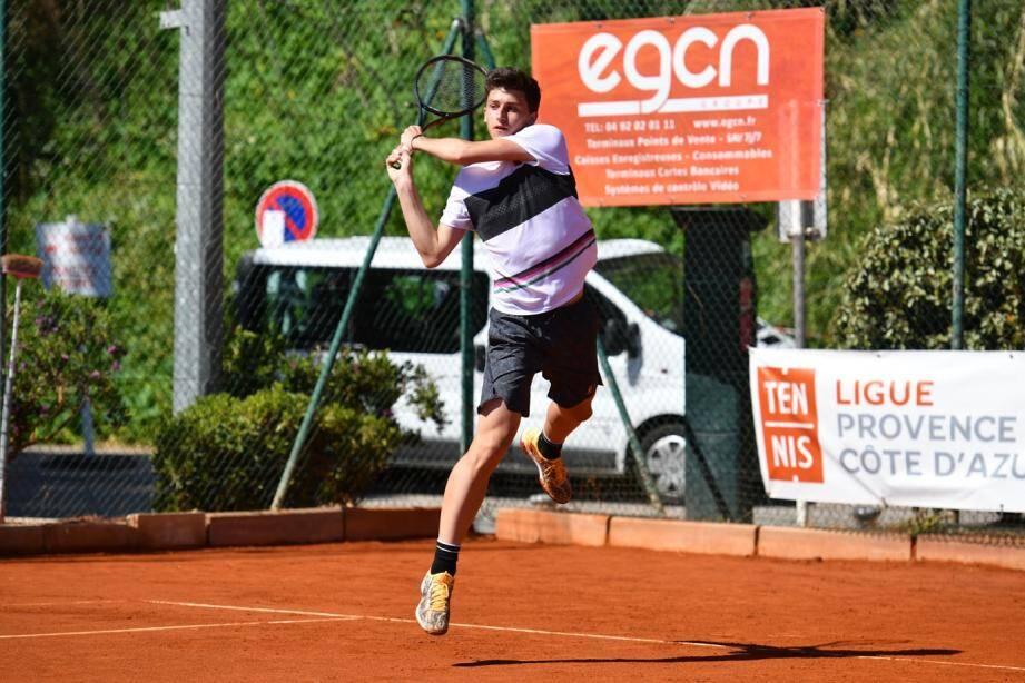 Luca Nardi, 15 ans, N.1 mondial de sa catégorie d'âge, vainqueur du Brésilien Boscardin Dias.
