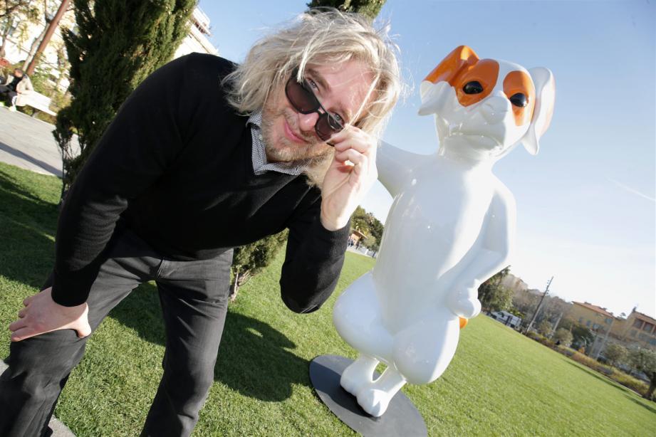 L'artiste Stéphane Bolongaro, ici avec Totor son animal fétiche, présentera un hommage à la princesse Grace du 19 au 28 avril à Fontvieille.