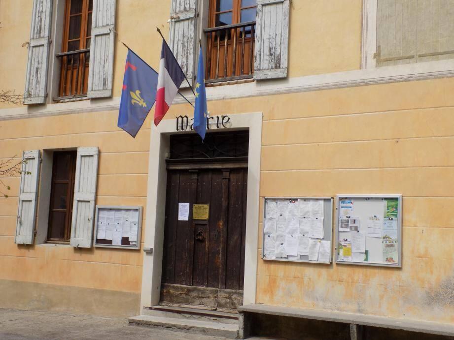 Rien ne va plus à la mairie d'Entrevaux.