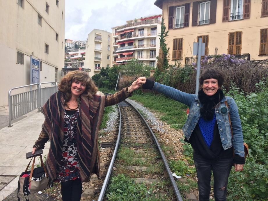 Caroline Duval, la blonde, Sabine Venaruzzo, la brune : leur Opéra minuscule va faire du bruit chez les bambins.
