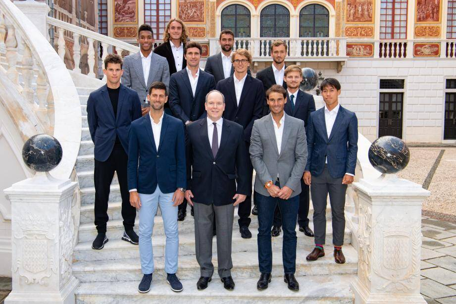 Onze des meilleurs joueurs mondiaux ont eu l'honneur d'être reçus par le prince Albert II au Palais princier et de visiter la Salle du Trône et la Citerne du Palais.