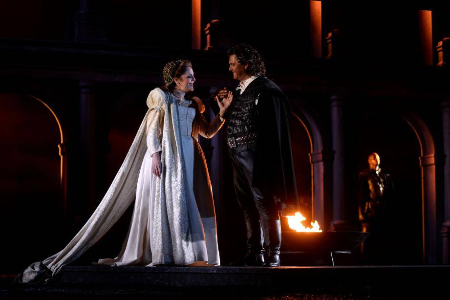 Une répétition d'Otello avec Gregory Kunde et Maria Agresta. À droite, Patrice Ayrault, directeur technique, qui est allé à Athènes surveiller la fabrication des décors.