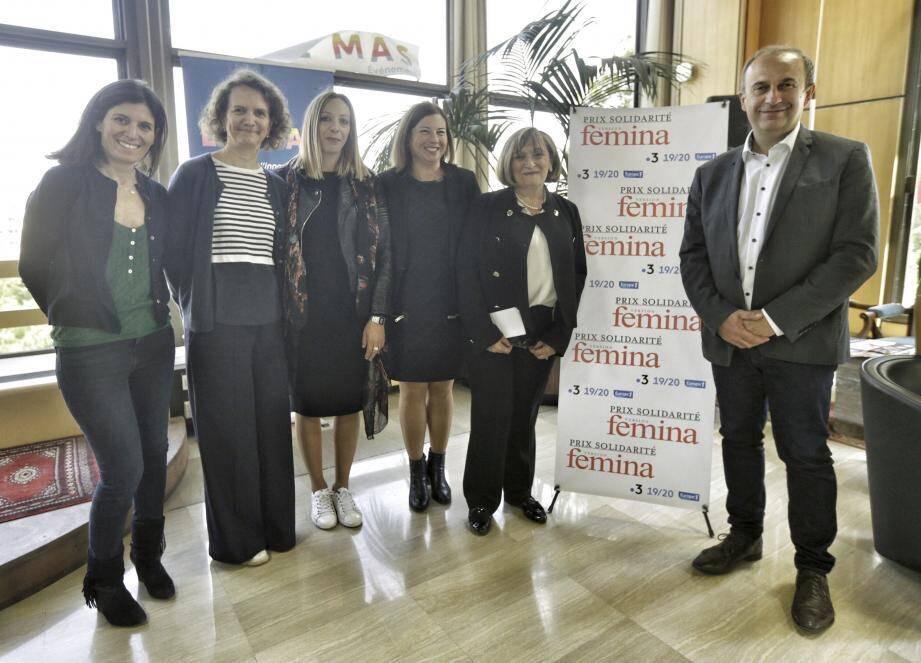 L'équipe de Version Femina a remis leur prix, hier, à Margareth Barcouda, présidente de Stop Burn out et à Vanessa Fery, représentant Face Var, au siège de Nice-Matin.
