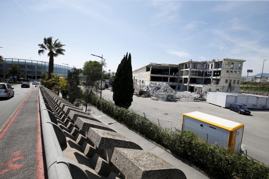 À la suite de sa fermeture le 29 octobre, le bâtiment, vieux de quarante-six ans, est en cours de démolition.