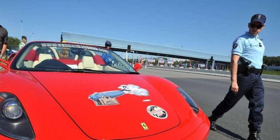 Les chauffards se rendaient dans le Var pour tester l'une des Ferrari.