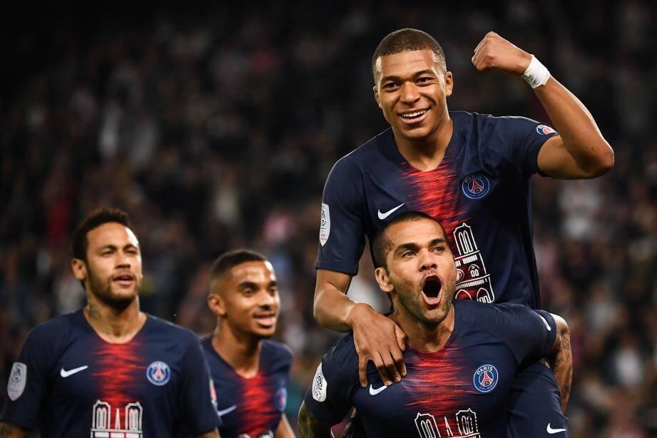 Mbappé, auteur d'un triplé, et les Parisiens n'ont laissé que des miettes aux Monégasques hier soir. Et enfin officialisé leur titre de champions de France.