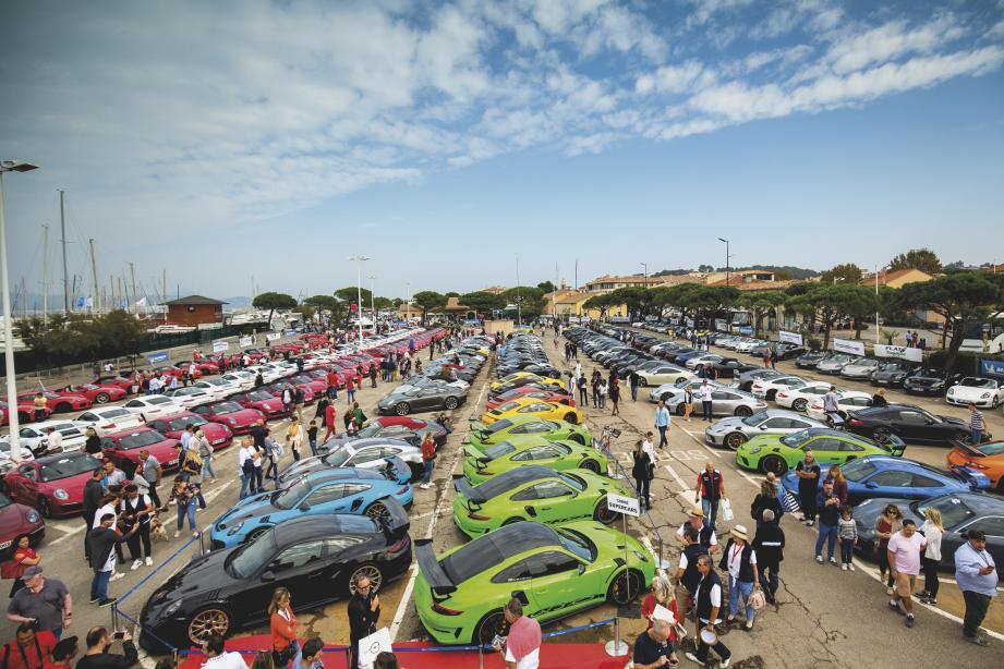 """A l'image du """"Paradis Porsche"""", rassemblement annuel géant à Saint-Tropez depuis déjà 25 ans, le Porsche Club Méditerranée organise le 1er Festival Porsche français… à Cannes, forcément ! Près de 700 autos sont attendues, de toutes les générations. Et principalement des 911."""