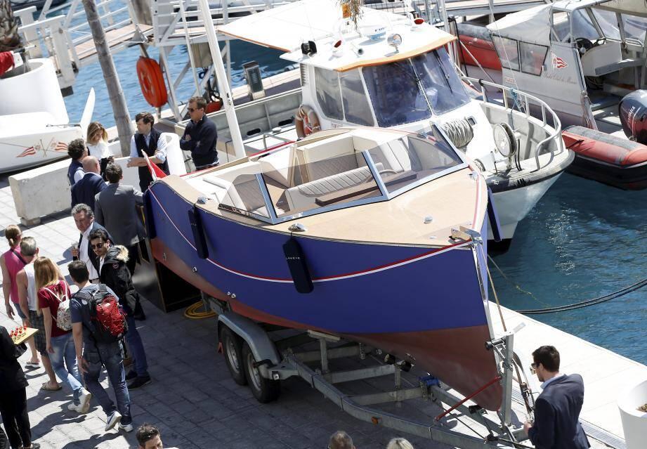 Ce bateau électrique est composé de matériaux aussi propres que possible.