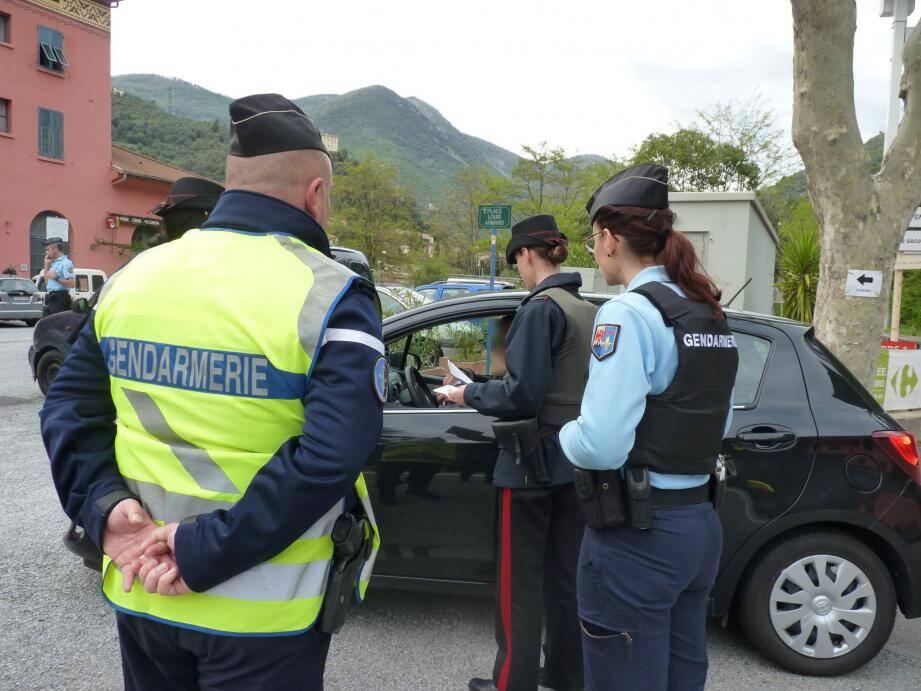 Près de trente véhicules ont été contrôlés en 2 heures et seulement deux infractions ont été relevées.