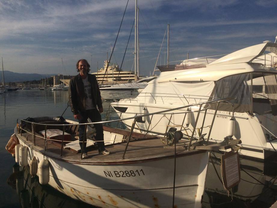 « Les super yachts, comme le Dilbar doivent avoir leur place au port Vauban, tout comme des bateaux comme le mien! », assume Eric Ducatel.