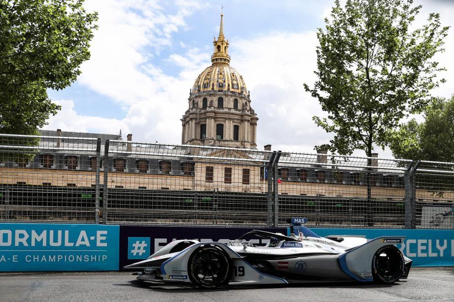 Bon 4e sur la grille de départ de l'ePrix de Paris, Felipe Massa (ci-dessus) n'a pas su éviter tous les pièges glissants, mais il glane quand même 2 points (9e). Les seuls obtenus par l'écurie monégasque Venturi au pied des Invalides avant la course en Principauté où le nouveau leader Robin Frijns démarrera avec une petite longueur d'avance sur André Lotterer.