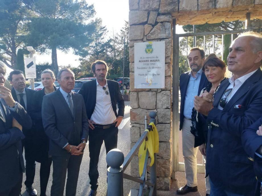 La mémoire d'Alvaro Maura est perpétuée par une plaque apposée au bas de la montée éponyme.(DR)