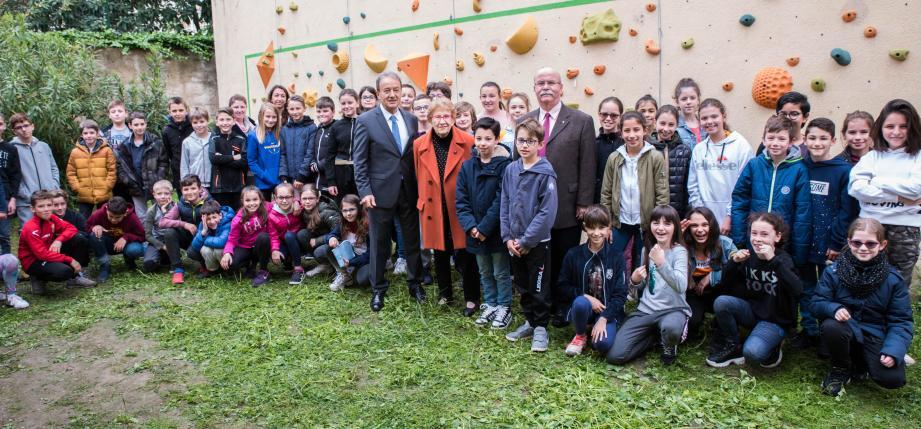 Les CM2 de Saint-Joseph ont reçu Mireille Jourdan en présence du maire de RCM.