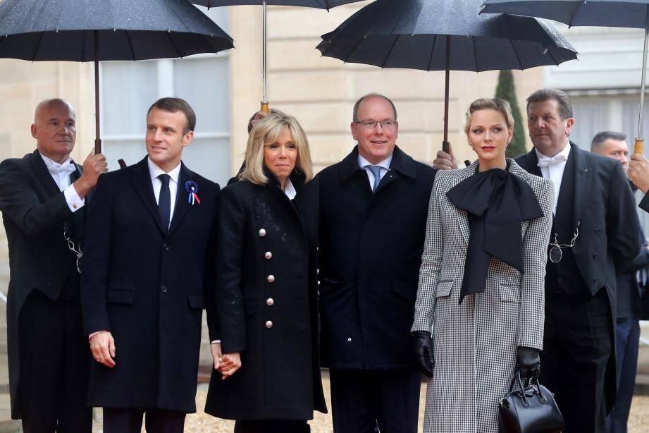 Le couple princier reçu lorsqu'il avait été reçu à l'Elysée par le président Macron et son épouse lors du Centenaire de la Grande Guerre en novembre 2018.