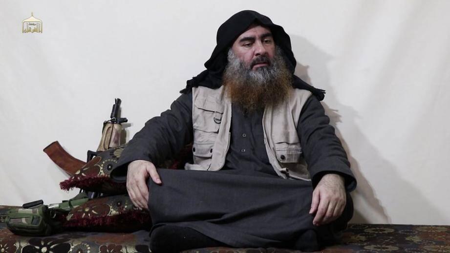 Capture d'écran d'une vidéo où apparaît Abou Bakr al-Baghdadi, publiée par le média de propagande Al-Furqan le 29 avril 2019.