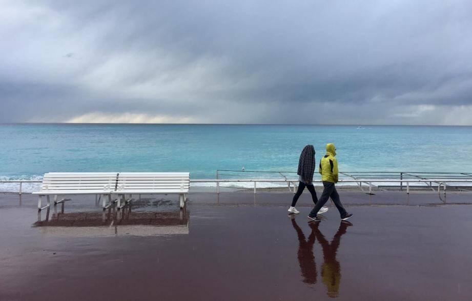 Un nouveau week-end de pluie et orages sur la Côte d'Azur