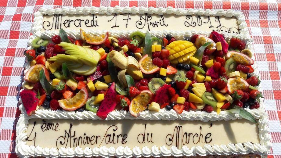 Le gâteau réalisé par Serge Noël.
