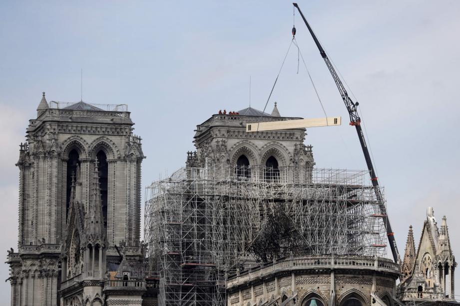 Notre-Dame de Paris doit être reconstruite.