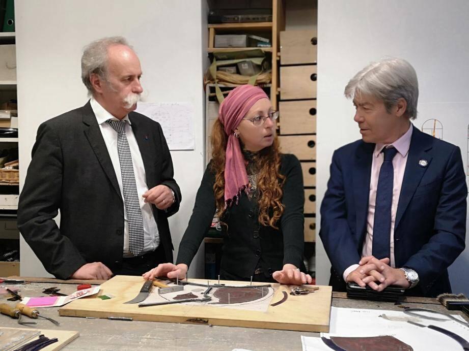 Bernard Stalter et Jean-Pierre Galvez dans l'atelier de vitraux de Florence Laugier à Nice.