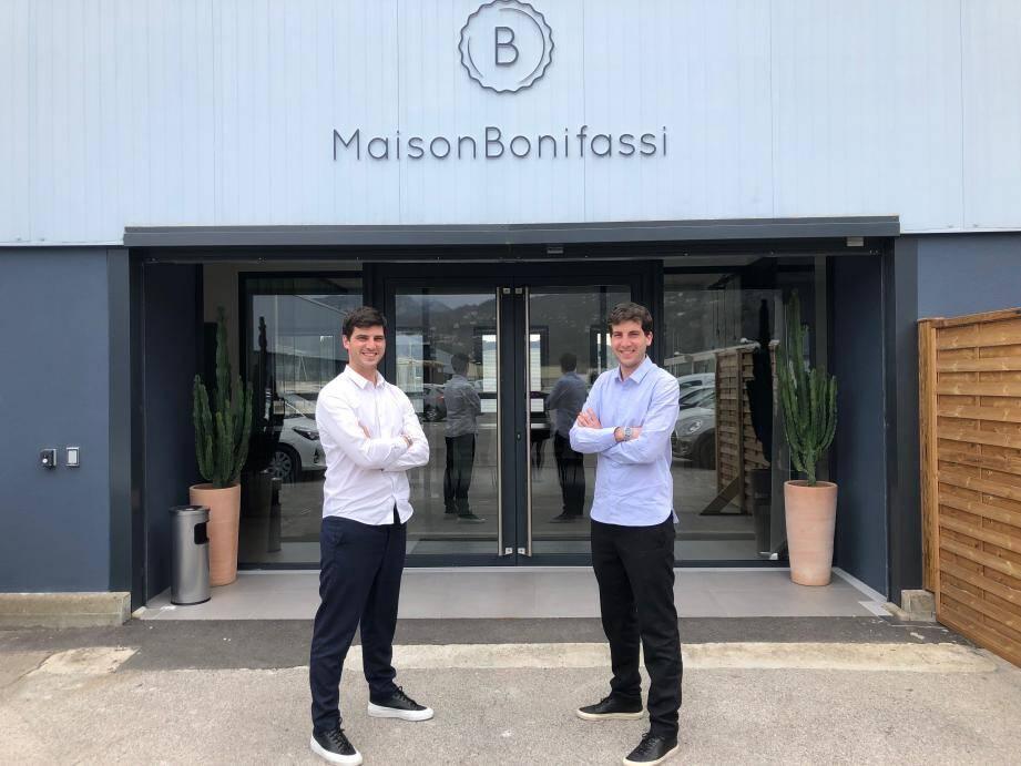 Petit clin d'œil à leur histoire: Baptiste et Louis Bonifassi qui ont investi dans de nouveaux locaux plus spacieux à Carros proposent à nouveau de l'huile d'olive à la vente. Comme leur arrière-arrière-grand-père.