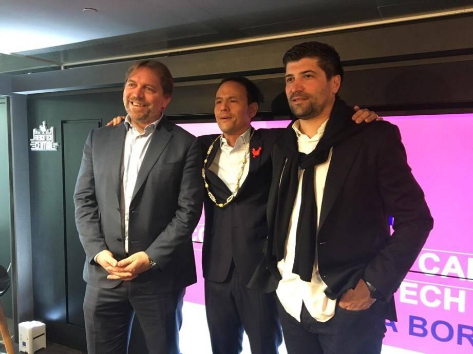 Les deux coprésidents de la French Tech Côte d'Azur entourant Cédric O, le secrétaire d'Etat chargé du numérique.