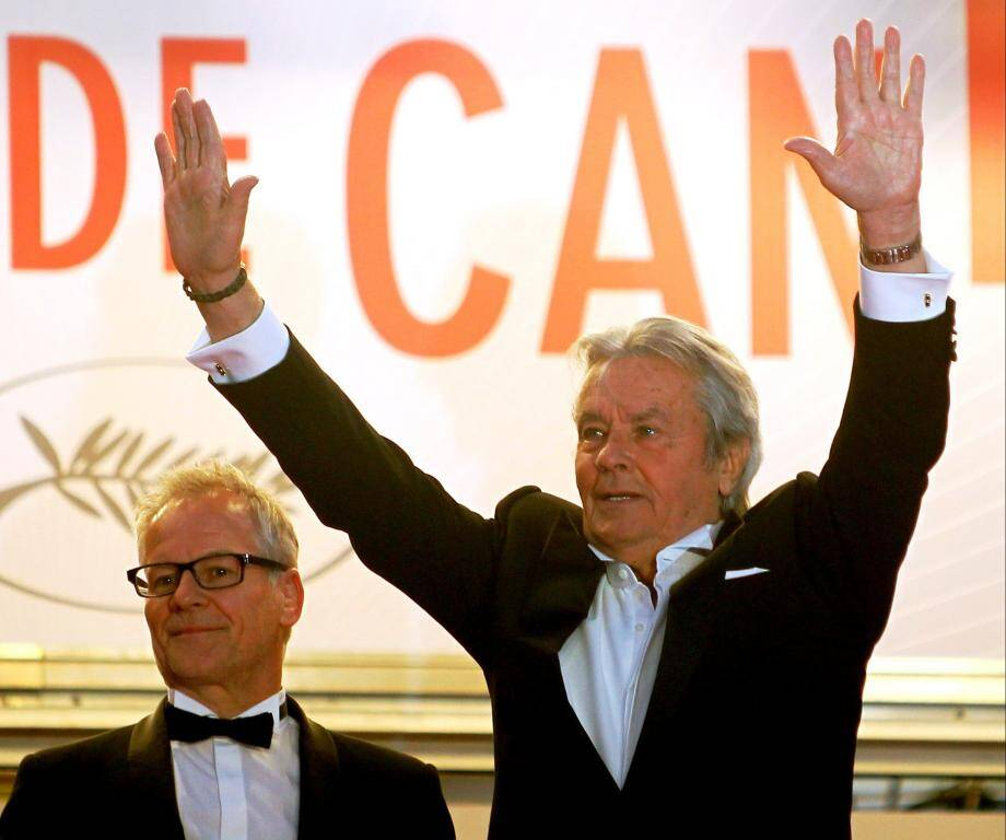 Alain Delon et Thierry Frémaux lors du Festival de Cannes 2013.
