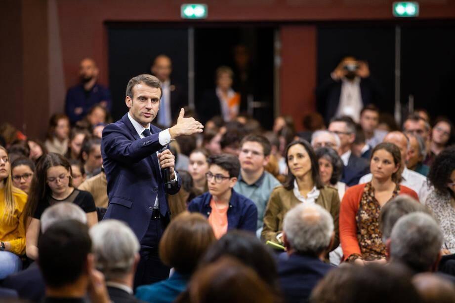 Lors du Grand débat à Gréoux-les-Bains le 7 mars 2018.