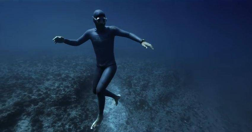 Guillaume Néry en plongée